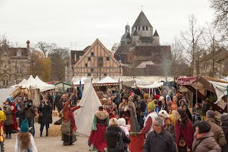 https://sites.google.com/a/csmpf.com/www/udalosti-a-akce/pojdte-s-ivou-na/pozvanky/_draft_post/Noel-Provins-12-Place-du-Chatel-jour-Marche-medieval--%C2%AE-D-Gilbon.jpg
